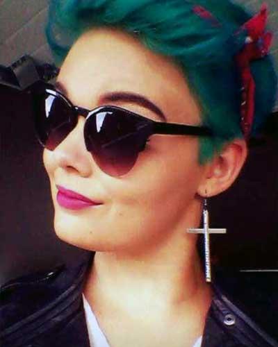 Haare dunkel türkis färben